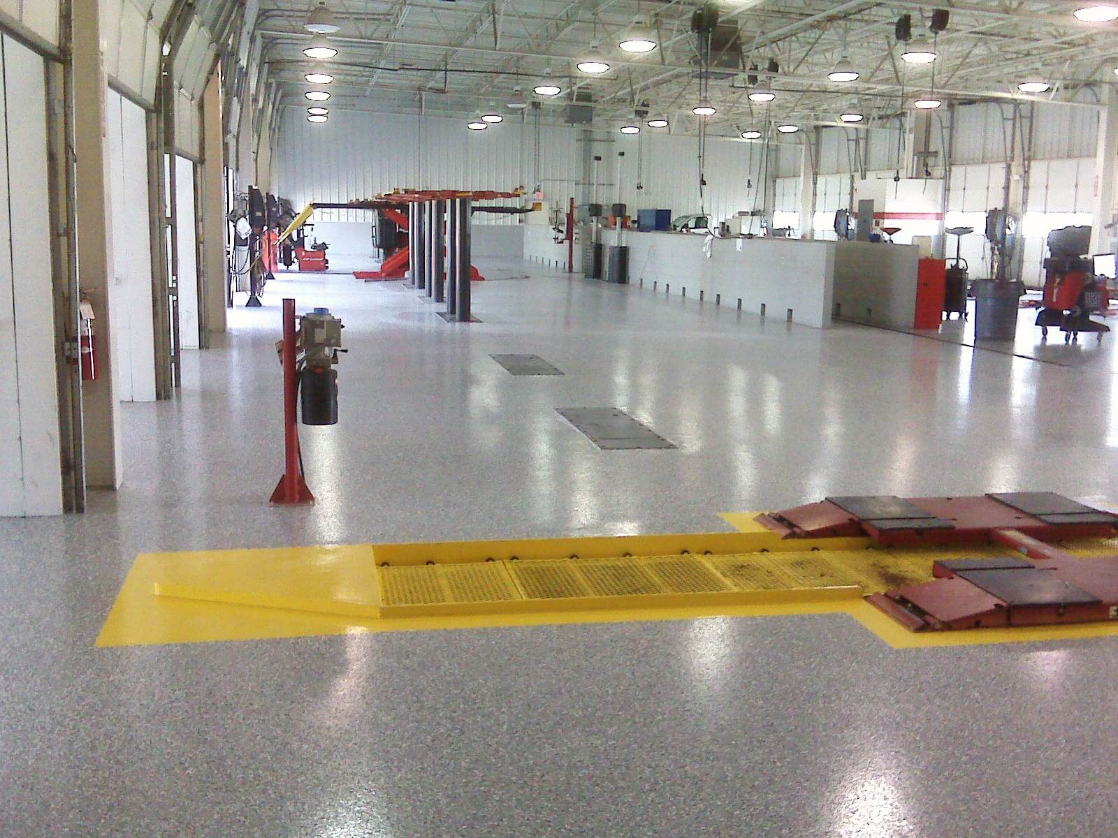 commercial-flooring-auto-shop-custom